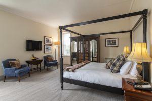 bedroomslow30.jpg