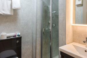 bathroomslow6.jpg