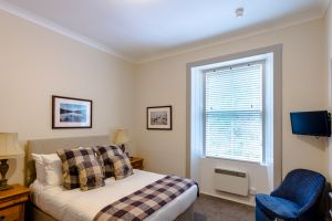 bedroomslow18.jpg