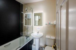 bathroomslow4.jpg