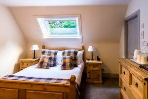 bedroomslow23.jpg
