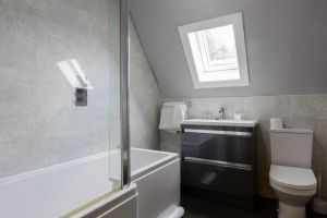 bathroomslow7.jpg